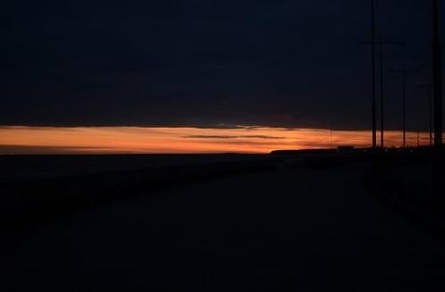 Догорел закат во тьме