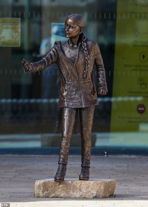 Памятник... (by Sky Archer)